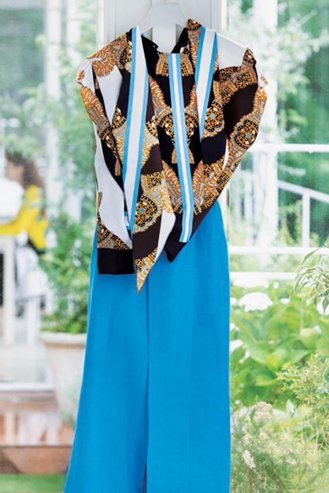 エルメスのブラウスと韓国のプチプラスカート