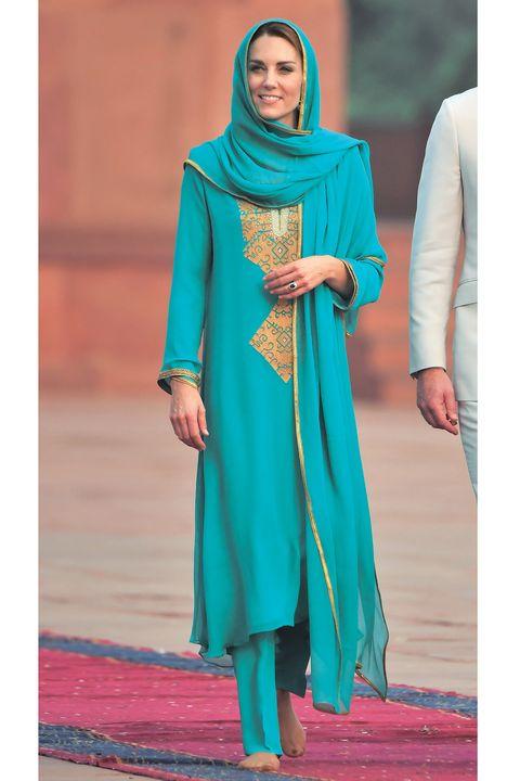 民族衣装サルワール・カミーズを着ているキャサリン妃
