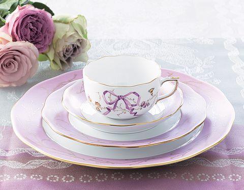 ヘレンドのティーカップ&ソーサーとデザートプレートとディナープレート