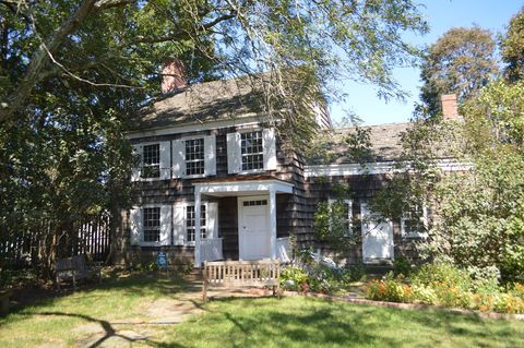 walt whitman birthplace in huntington new york