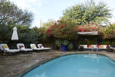 Swimming pool, Property, Real estate, Leisure, Backyard, Building, House, Tree, Resort, Vacation,