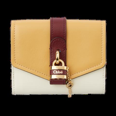 Tan, Wallet, Fashion accessory, Leather, Brown, Beige, Bag, Coin purse, Rectangle, Handbag,