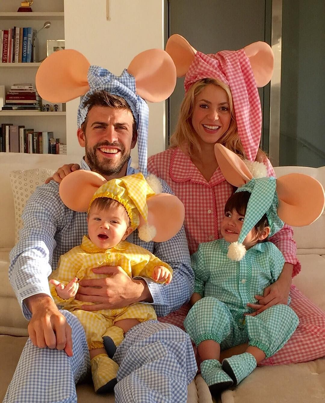 27 Of Shakira And Gerard Pique S Family Photos With Their Kids
