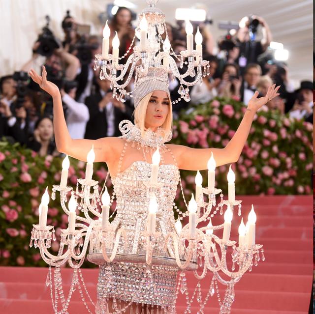 2019, Met Gala, Katy Perry, 水晶燈, 漢堡裝