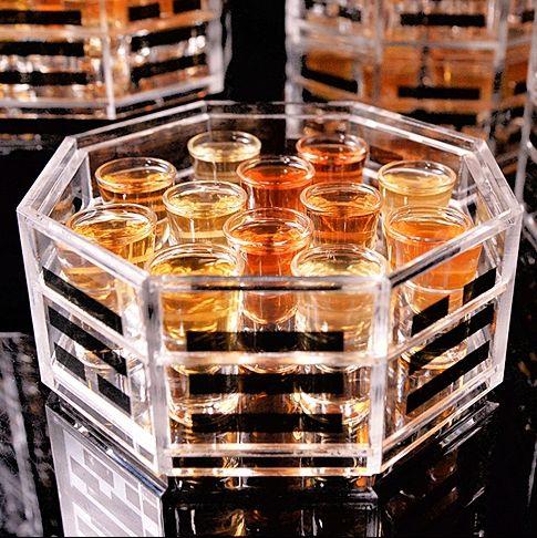台南晶英酒店水晶廊推出「三十六計調酒SHOT盤」、地表最高的酒飲「伏魔塔」108 SHOT