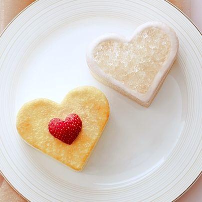 Lady M漫微醺情人節推出情人蛋糕,有心型原味千層蛋糕+心型香檳千層蛋糕+MOËT香檳