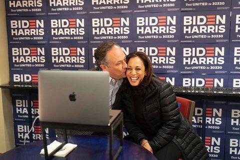元々ワシントンdcとカリフォルニア州の「dla piper」事務所を行き来して働いていたものの、2020年8月に、ハリス氏が副大統領候補としてバイデン氏と選挙に挑むことがわかると、休職を決意。ハリス氏と一緒に、アメリカ各地を周ることを決めたそう。