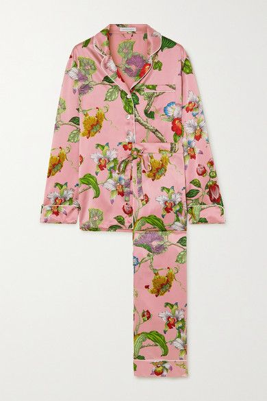 Clothing, Pink, Sleeve, Robe, Outerwear, Nightwear, Costume, Pajamas, Dress, Pattern,
