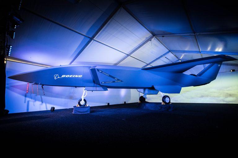 """بوينغ تطور """"درونز"""" عسكرية آمنة للتحليق بجانب الطائرات التقليدية  124a0318-high-res-1551298212"""