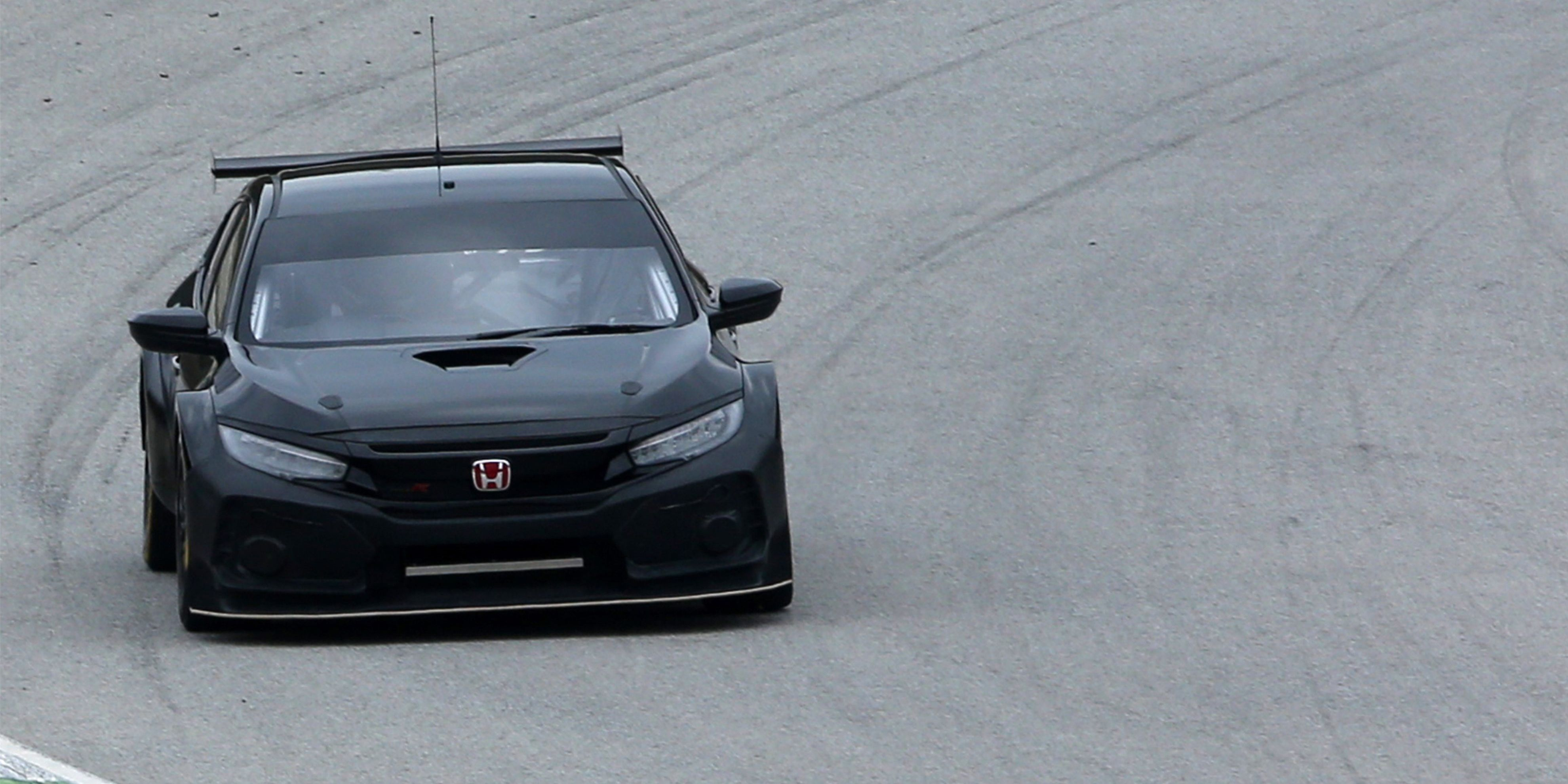 Hondas New BTCC Civic Type R Looks Perfectly Evil