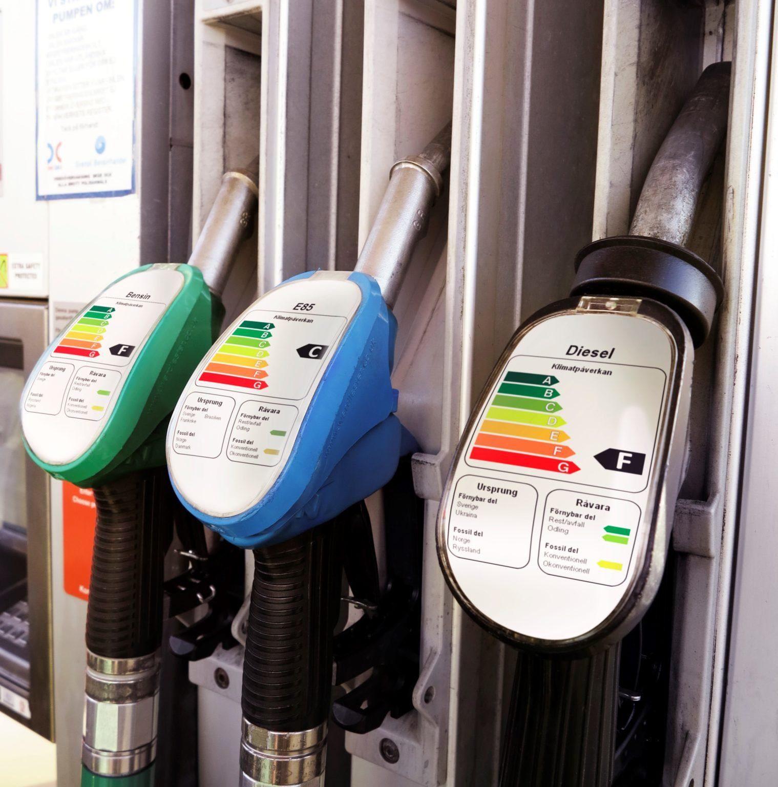 Climate Experts Want Fossil Fuel Warning Labels At the Pump