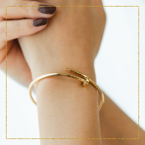 Body jewelry, Chain, Finger, Fashion accessory, Jewellery, Bangle, Metal, Hand,
