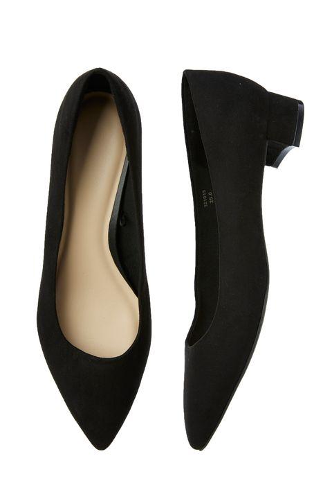 Footwear, Court shoe, Shoe, High heels, Ballet flat, Leather, Suede, Beige, Plimsoll shoe,