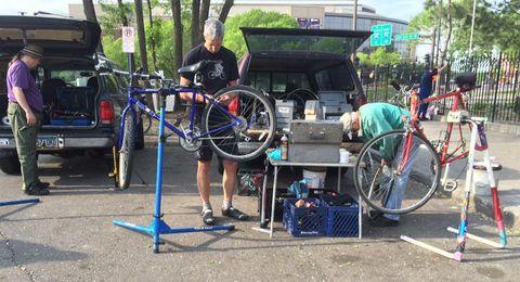 Vehicle, Bicycle, Recreation, Bicycle wheel, Asphalt, Road bicycle, Cycling, Machine,