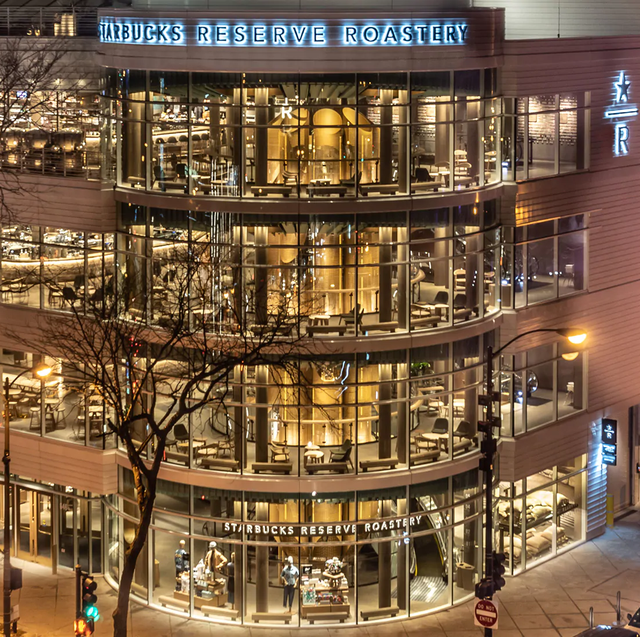 Building, Mixed-use, Architecture, Urban area, Shopping mall, City, Metropolitan area, Tree, Night, Commercial building,