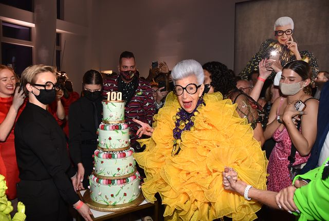 new york, new york   september 09 iris apfel with her birthday cake at her 100th birthday party at central park tower on september 09, 2021 in new york city photo by patrick mcmullangetty images for central park tower