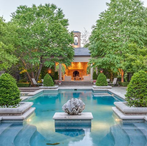 Property, Natural landscape, Swimming pool, Building, Architecture, Estate, Courtyard, Water feature, Garden, Real estate,