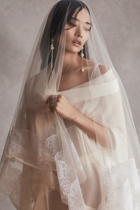 danielle frankel bridal gown and veil