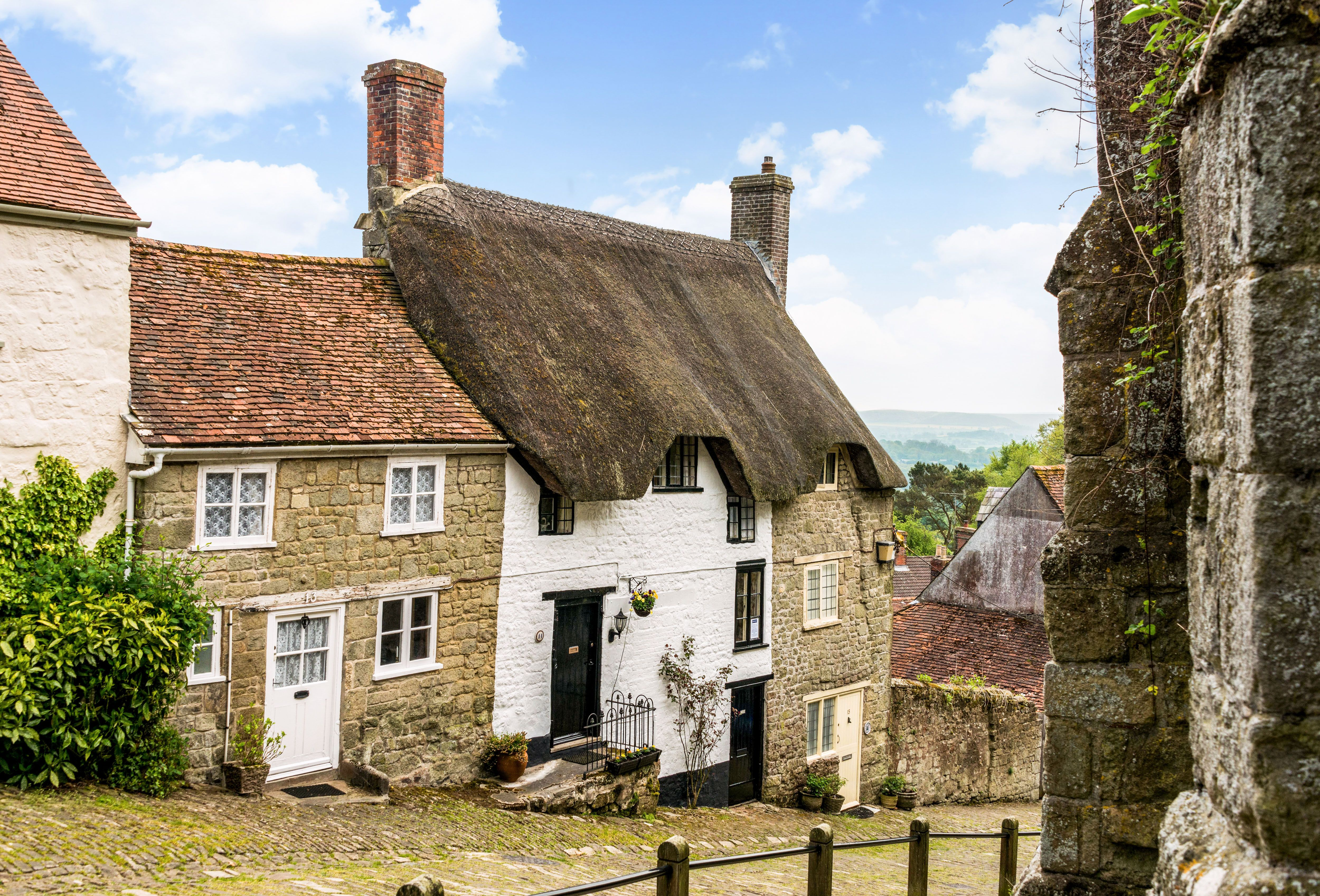Shaftesbury Cottage From Ridley Scott\'s Hovis Advert For Sale – Gold ...