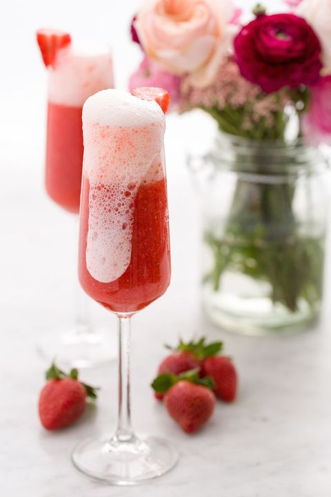 Food, Drink, Strawberry juice, Health shake, Strawberry, Non-alcoholic beverage, Champagne cocktail, Strawberries, Smoothie, Floats,