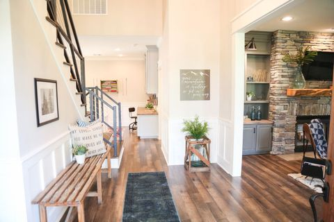 Is Fixer Upper Real Or Fake Behind The Scenes Of Hgtv 39 S Fixer Upper