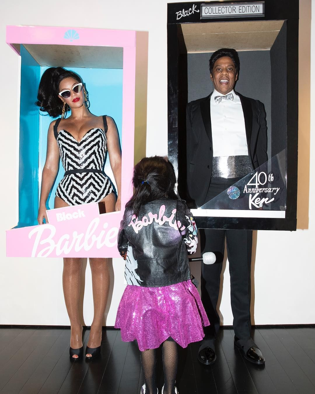 Beyoncé Jay Z and Blue Ivy Just Took Family Halloween Costumes to the Next Level  sc 1 st  Cosmopolitan & Beyoncé Jay Z and Blue Ivy Just Took Family Halloween Costumes to ...