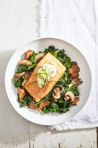 easy and cheap dinners   salmon skyr with spinach