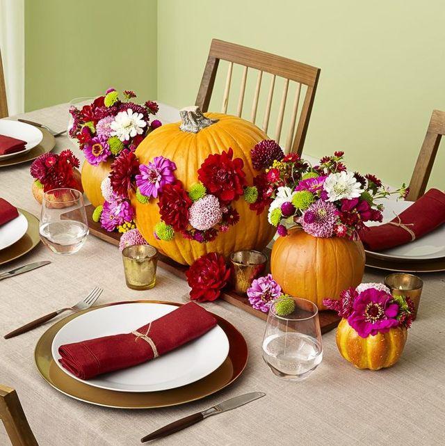 thanksgiving centerpiece pumpkin and flowers