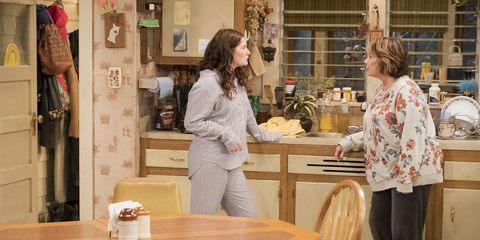 The Roseanne Reboot Has A Ton Of Hidden Signs