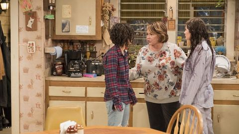 Last Night S Roseanne Episode Has Some People Seriously Upset