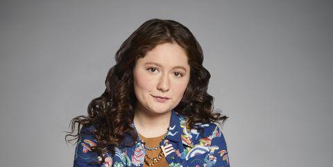 Emma Kenney as Harris on 'Roseanne'