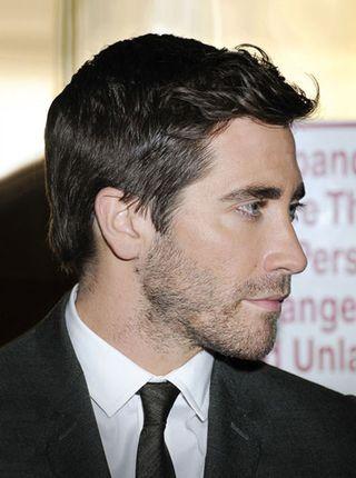 Hair, Facial hair, Face, Forehead, Hairstyle, Chin, Eyebrow, Beard, Nose, White-collar worker,