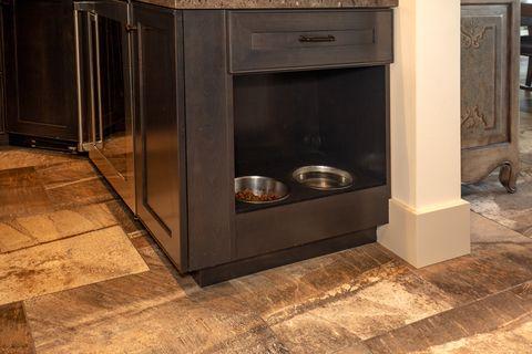 dog bowls, kitchen, pet friendly kitchen