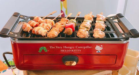 屈臣氏推出生活大玩+集點活動,推出Hello Kitty凱蒂貓x繪本巨星好餓的毛毛蟲,9/26開始換購造型杯、烤爐、便當組和保溫壺!