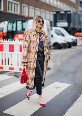 c8c977e819 Pantaloni moda 2018: i modelli donna di tendenza