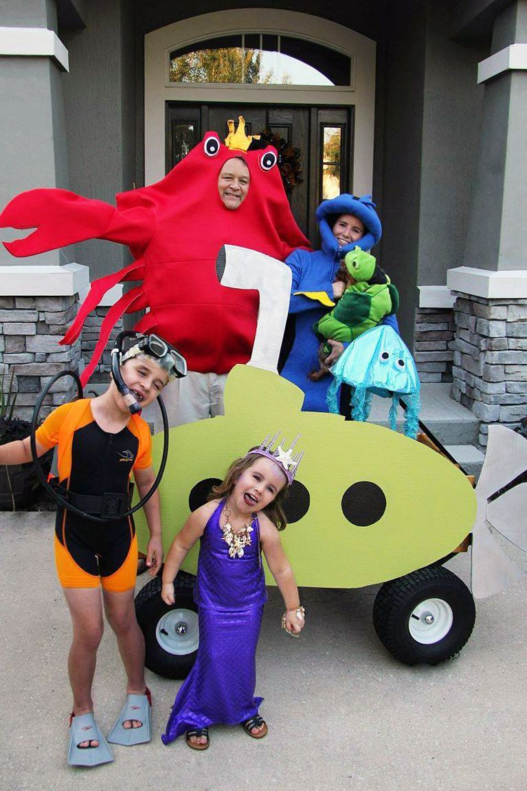 20 Best Family Halloween Costumes 2019 , Cute Family Costume