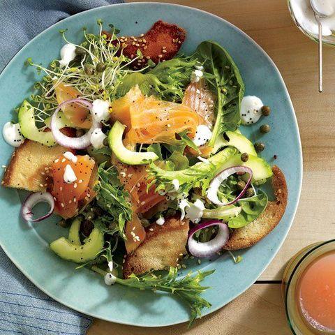 Dish, Food, Garden salad, Salad, Cuisine, Ingredient, Caesar salad, Spinach salad, Vegetable, Produce,