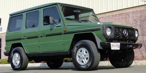 Land vehicle, Vehicle, Car, Mercedes-benz g-class, Automotive tire, Motor vehicle, Tire, Sport utility vehicle, Wheel, Mercedes-benz,