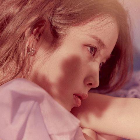 iu第五張專輯《lilac》「雙封面版本」即將上市!李知恩新「專輯名稱+發行日期」藏有特殊含義