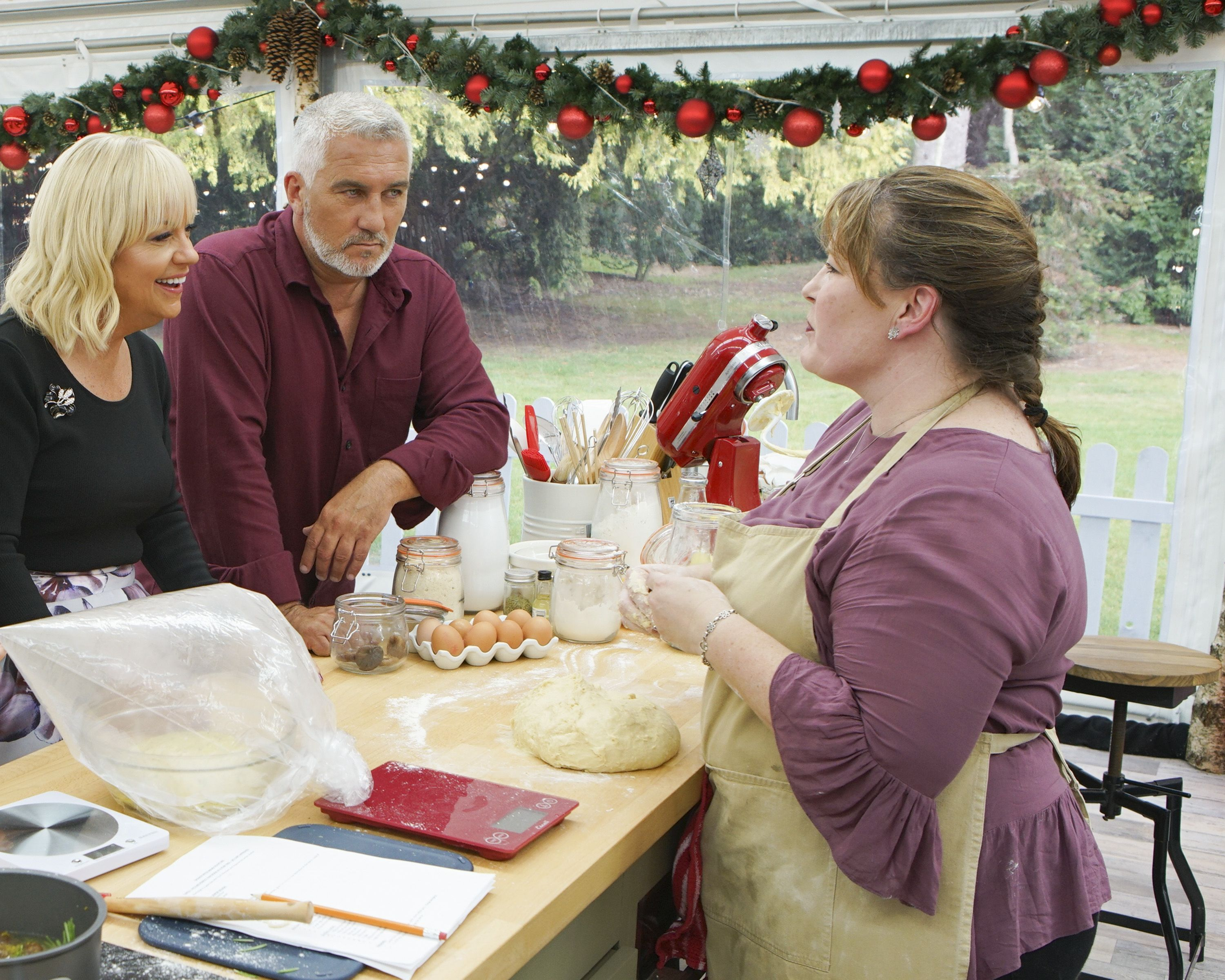 All The Baking Lessons We Learned On The Premiere Of 'The Great American Baking Show: Holiday Edition'