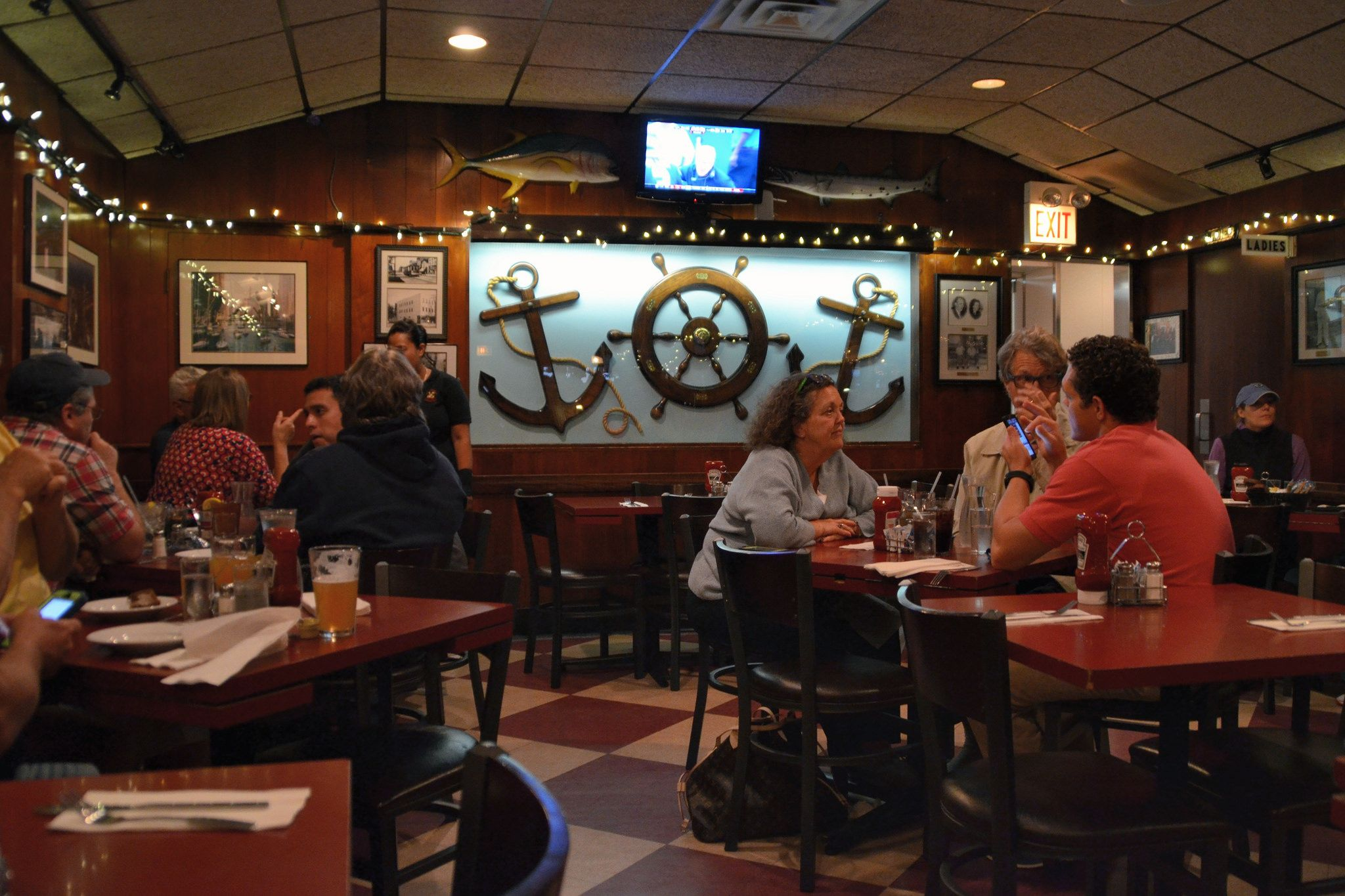 Twin Anchors restaurant
