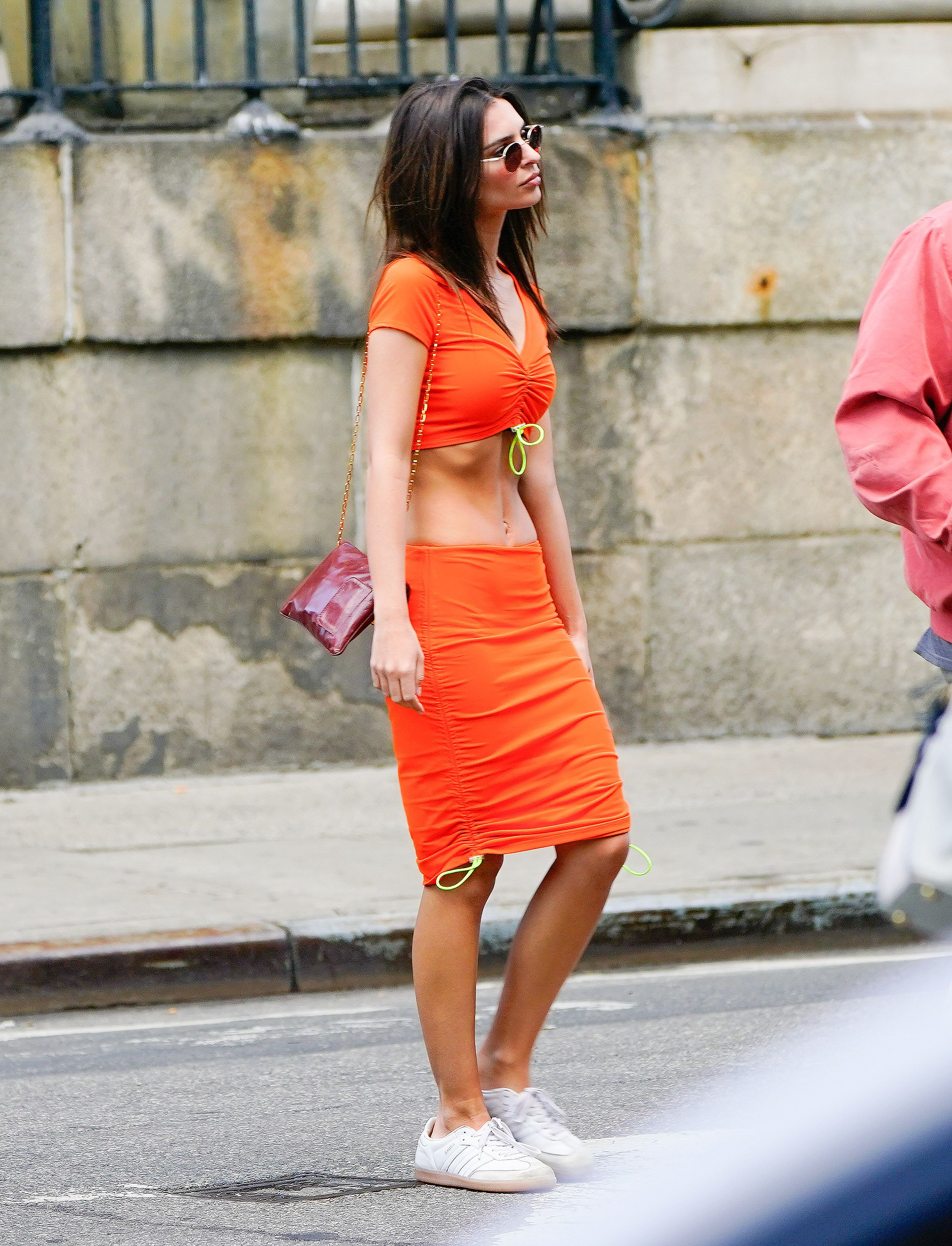 9 Ways to Pair Sneakers With Skirts and Dresses — How to