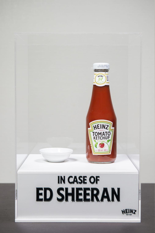 Il ketchup Heinz è diventato un'opera d'arte (grazie ad Ed Sheeran)