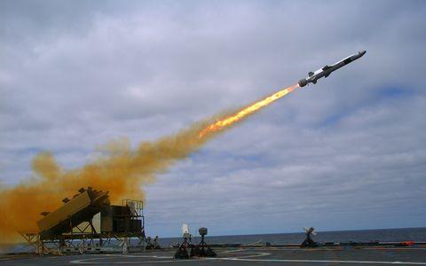 USS Coronado launches Kongsberg missile during test