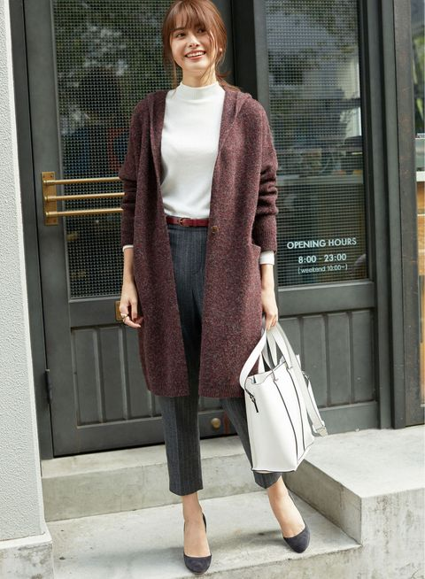 Clothing, Street fashion, Outerwear, Fashion, Snapshot, Brown, Cardigan, Coat, Sleeve, Blazer,