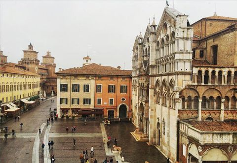 City, Town square, Building, Architecture, Human settlement, Town, Public space, Plaza, Tourism, Palace,