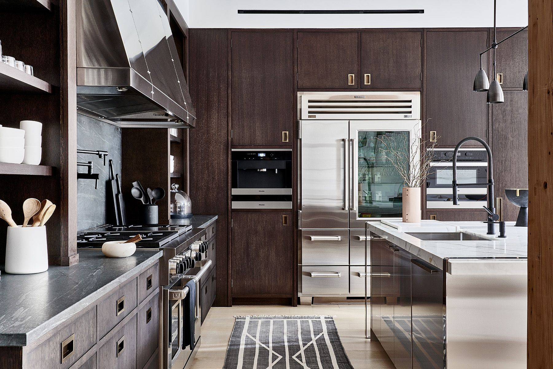 Two Tone Kitchen Cabinet Ideas How Use 2 Colors In Kitchen
