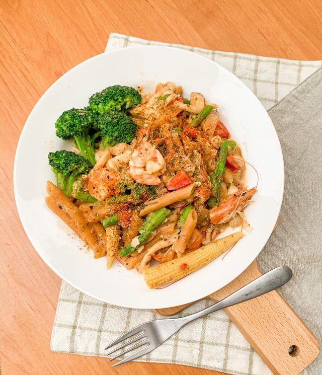 辣味鮮蝦鹹蛋筆管麵