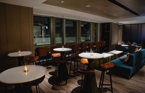 國泰萬怡酒店drift bar即日起對外開放
