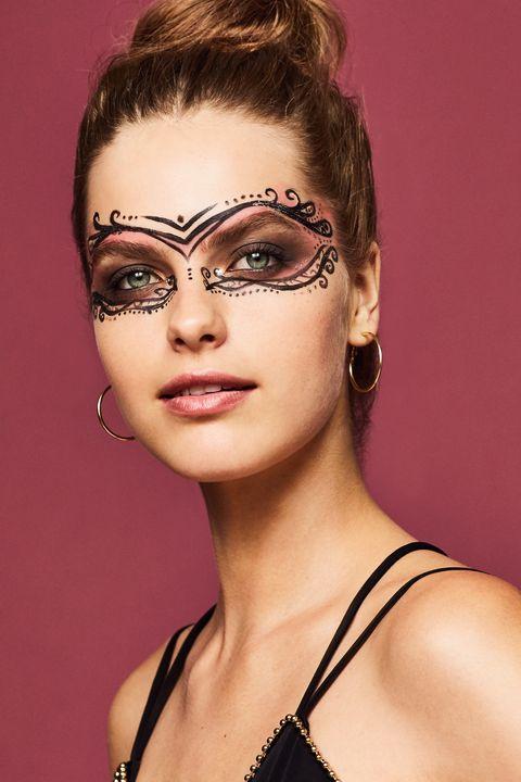 Head, Nose, Ear, Lip, Mouth, Hairstyle, Eye, Eyelash, Forehead, Eyebrow,